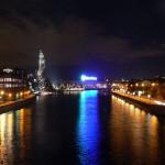 rzeka Moskwa i pomnik nocą